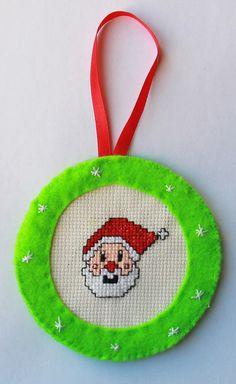 Jour 13: Un père Noël brodé par les Créations d'une Dame Moustache #lenoeldesblogsnantais