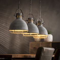 Kave Home Verlichting - Pin Local My Site Rustic Lamps, Rustic Lighting, Interior Lighting, Pendant Lighting, Chaise Noir Design, Hanging Light Fixtures, Dining Room Lighting, Light Decorations, Home Deco