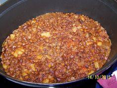 lentille, pomme de terre, oignon, carotte, chorizo, huile d'olive, feuille de laurier, paprika, sel, poivre