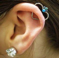 salabodymod: Fresh orbital heart with a heart and a nice cloister gem clip in from (en Pinpoint Piercing) Ear Piercings Conch, Orbital Piercing, Helix Ear, Smiley Piercing, Dermal Piercing, Septum Ring, Body Piercings, Gem Clip, Diy Earrings Tutorial
