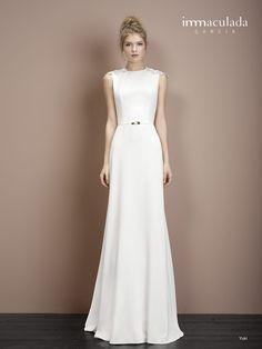 Dress: YUKI Collection: HANAMI - My Basic 2017