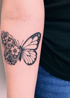 Butterfly tattoo ideas to represent the transformation-Schmetterling Tattoo Idee. - Butterfly tattoo ideas to represent the transformation-Schmetterling Tattoo Ideen zur Darstellung d - Tattoos For Women Half Sleeve, Tattoos For Women Small, Sleeve Tattoos, Tattoos For Guys, Unique Women Tattoos, Guy Tattoos, Dragon Tattoos, Butterfly Tattoos For Women, Butterfly Tattoo Designs