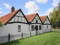Originally a seventeenth-century outhouse, this delightful cottage can be found in the market town of Amersham, UK