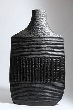 Malcolm Martin and Gaynor Dowling - sculpture and applied art - Works 2012 Pottery Sculpture, Pottery Vase, Ceramic Pottery, Pottery Painting Designs, Pottery Designs, Ceramic Pots, Ceramic Clay, Contemporary Ceramics, Modern Ceramics