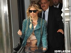 Fergie Suffers For Fashion In France (PHOTOS)