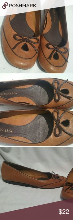 Aerosoles Printz Charming Flats Leather 7 M Aerosoles 'Printz Charming' Ballet Flats Leather Brown Womens Women's Shoes Size 7 M   Excellent, clean condition. Genuine leather upper, caramel brown. Such a well made, comfy, versatile pair Thanks for looking; any questions, please ask... AEROSOLES Shoes Flats & Loafers
