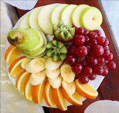 Как оригинально оформить нарезку фруктов: простые идеи с фото. Оформление фруктовой нарезки на день рождения, на Новый Год, на офисный фуршет, на детский праздник.