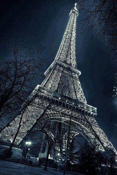 Tour Eifel ,Paris by Night Beautiful Paris, Paris Love, Torre Eiffel Paris, France Eiffel Tower, Paris Wallpaper, Paris Ville, Paris Travel, Belle Photo, Wonders Of The World