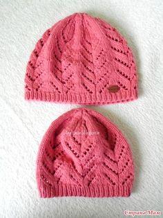 Хотелось на весну дочкам связать легкие ажурные шапочки спицами. В интренете ничего душе угодного не нашла, залезла в свои старые распечатки и обнаружила несложный ажурный узор.