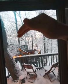 Architecture House Discover Seguin Tree Dwellings: a Cozy Snowy Delight! Beautiful Tree Houses, Cool Tree Houses, Tiny House Cabin, My House, Tree House Plans, Tree House Designs, Winter Scenery, Beautiful Places To Travel, House In The Woods