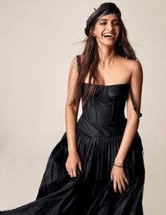 Bollywood actor Sonam Kapoor abandons her soft, colorful outfits and opting for head-to-toe black looks in ''Black Magic'' cover story for Vogue India's . Fashion 2017, Daily Fashion, Fashion News, High Fashion Photography, Glamour Photography, Lifestyle Photography, Editorial Photography, Vogue Editorial, Editorial Fashion