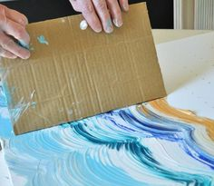 Canvas Art Ideas Acrylics - Drag your card board across your paint to make your pattern Painting Techniques Canvas, Canvas Painting Projects, Encaustic Painting, Diy Painting, Painting & Drawing, Abstract Canvas, Canvas Art, Canvas Ideas, Diy Canvas