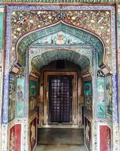 This breathtaking archway in Rajasthan.   27 Doors In India You'd Definitely Want To Knock On
