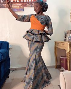African Fashion Skirts, African Inspired Fashion, African Print Dresses, African Dress, Ankara Skirt And Blouse, Kente Styles, Latest Ankara, African Attire, Blouse Styles