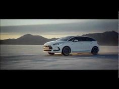 A daring and sculptural creation, Citroën DS5 perfectly expresses the DS spirit, with bold choices on styling, architecture, sensations and refinement. Change era, discover the TV ad.
