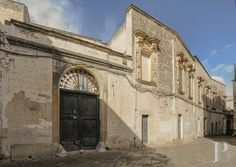 Palazzo for sale Puglia - galatina Italy Spanish House, Palazzo, Barcelona Cathedral, Houses, Italy, Building, Travel, Homes, Italia