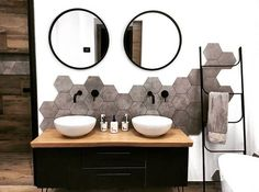FERRA Échelle noir H x Larg. 45 x P cm bathroomfurnitures 726627721114192690 Diy Bathroom Decor, Bathroom Interior Design, Bathroom Furniture, Modern Bathroom, Small Bathroom, Master Bathroom, Paris Bathroom, Bathroom Wall, Bathroom Ideas