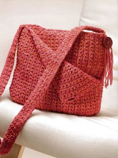 Practical, yet playful, these crochet bags, totes and pouches are great projects for applying your crocheting skills. This step-by-step informative booklet teaches you how to hook your way to eight go