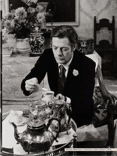 Marcello Mastroianni...hummm, Italian tea