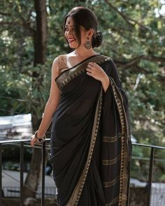 """ Handloom cotton with woven gold temple border, and tassles on palla. Simple Sarees, Trendy Sarees, Stylish Sarees, Indian Beauty Saree, Indian Sarees, Black Cotton Saree, Cotton Saree Blouse, Sarees For Girls, Indische Sarees"