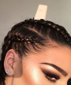 Her braids & highlight looks bad-ass!