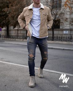 Really great outfit worn by our dear friend ? High Fashion Men, Trendy Mens Fashion, Mens Fashion Wear, Cool Outfits For Men, Winter Outfits Men, Stylish Mens Outfits, Casual Outfits, Men With Street Style, Mode Outfits