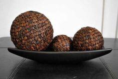 centro-de-mesa-decorativo-con-granos-de-cafe