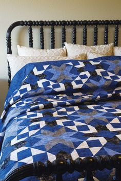 Star-Crossed Paths Quilt Kit: Simple shapes come together for a casual stroll under the night sky in this gorgeous queen-sized quilt designed by Cindy LeBaron.