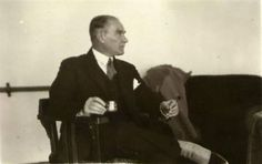Atatürk'ün Sigara İçerken Çekilen 30 Fotoğrafı – MustafaKemâlim