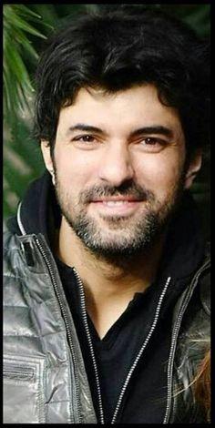 Dr Daghan Turkish Beauty, Hot Guys, Hot Men, Turkish Actors, Best Actor, Looking Gorgeous, Actors & Actresses, Beautiful Men, Cool Photos