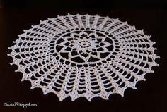 Doily crochet, diameter 28 cm