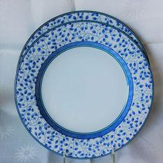 Mikasa Susanne 2 Dinner Plates SL104 White w/Blue Leaves/Turquoise Trim #Mikasa