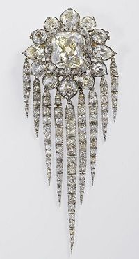british crown  Queen Victoria's fringe brooch