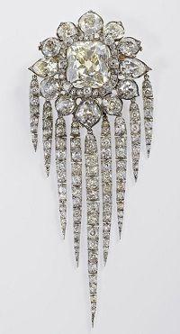 Queen Victoria's fringe brooch.