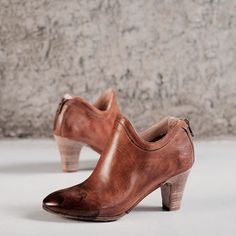 New from Conflict for Interest.  Only at 124. 100% artigianale.  #124shoes #conflictforinterestshoes #heels #womensshoes #italianshoes #handmade #artisan