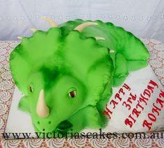 3D Triceratops Dinosaur cake