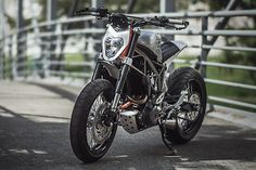 Colombia's Garaje 57 is growing an impressive reputation for hand crafted machines that have been ordered by clients from around the world. But with the new KTM 390 Duke landing on their shor… Duke Motorcycle, Motorcycle Design, Motorcycle Outfit, Custom Bikes, Custom Cars, Ktm 390 Duke, New Ktm, Ktm Motorcycles, Ducati Hypermotard