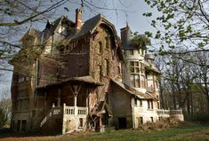 Abandoned house in the woods. - Imgur -- looks like a fantasy rather than a real building.
