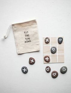 Tic tac toe valentine's game diy valentine gifts for kids, d Valentine Gifts For Kids, Diy Gifts For Kids, Diy Projects For Kids, Valentine Day Crafts, Diy For Kids, Valentine Flowers, Crafts To Make And Sell, Sell Diy, Valentine Ideas