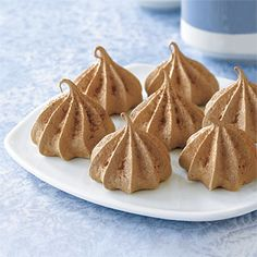 Chocolate Meringue Kisses (only 8 cents and under 30 calories per serving!) #recipe