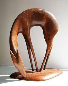 Beautiful wooden sculpture. Does anyone know the artist? . . . _________________________ #design #art #artist #creative #industrialdesign #designstudio #designinspiration #furniture #furnituredesign #beautiful #homedecor #woodworking #woodwork #woodshop #craft #diy #woodcraft #tools #carpenter #carpentry #chisel #handplane #roubo #dovetails #workbench #handtools #handmade #woodcarving #logcabin