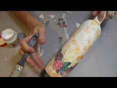 Step by step creating vintage bottles using Graphic 45 Botanical Tea collection papers Decoupage Glass, Decoupage Furniture, Decoupage Art, Glass Bottle Crafts, Diy Bottle, Bottle Art, Aluminum Foil Crafts, Decoupage Tutorial, Hand Painted Wine Glasses