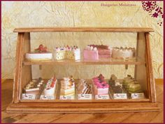 My tiny world: Dollhouse miniatures: Cakes and cakes and. Cafe Display, Pastry Display, Bakery Display Case, Cute Bakery, Small Bakery, Bakery Shop Design, Cafe Design, Bakery Interior, Bakery Business
