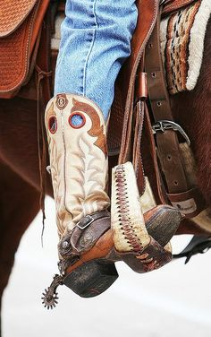Love this cowboy boot - minus the spurs.those things are cruel to a horse. Clearly the previous pinner doesn't know anything about spurs. Cowboy Gear, Cowboy And Cowgirl, Cowgirl Style, Cowgirl Boots, Western Boots, Cowboy Spurs, Country Boots, Tony Lama Boots, Over Boots