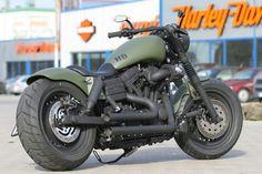 Harley-Davidson Fat Bob by Thunderbike Customs.