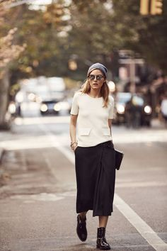 Olivia Palermo and Banana Republic announce some major news: They're launching a capsule collection. Estilo Olivia Palermo, Olivia Palermo Outfit, Olivia Palermo Style, Olivia Palermo 2017, Mode Outfits, Casual Outfits, Fashion Outfits, Olivia Palermo Banana Republic, Fashion Week