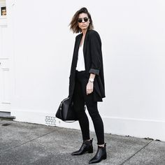 """Love the simplicity of this! @kaity_modern #streetstyle #fashion #inspiration"""