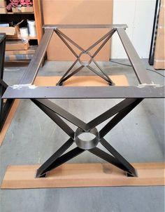Table à manger moderne Chic X les jambes modèle TF03B