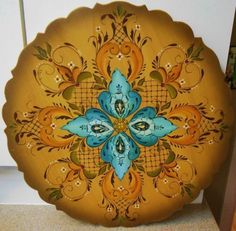 LARGE-VINTAGE-NORWEGIAN-ROSEMALING-HAND-PAINTED-WOOD-PLATTER-SIGNED-DATED-79