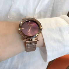 There is always many products on sae upto - 2019 Luxury Brand lady Crystal Watch Magnet buckle Women Dress Watch Fashion Quartz Watch Female Stainless Steel Wristwatches - Fast Mart Spring Watch, Women's Dress Watches, Watch Holder, Hand Accessories, Seiko Watches, Beautiful Watches, Watches For Men, Fancy Watches, Gold Watches